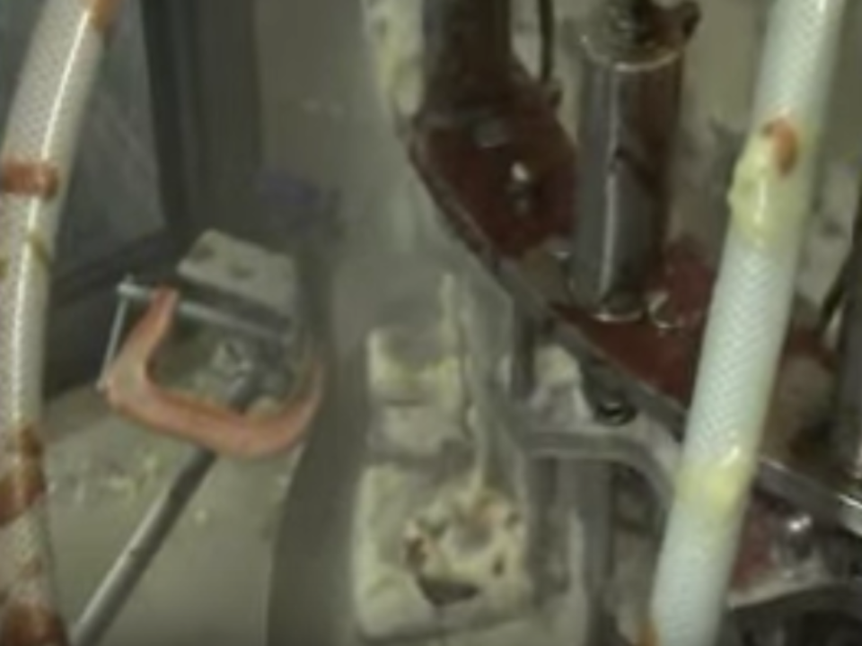 Rotary Filler Cleaning Demonstration For Salad Dressing