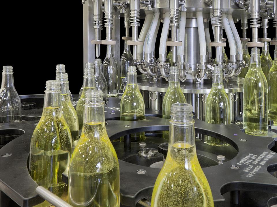 Rotary Level Overflow Pressure Filler, Beverages